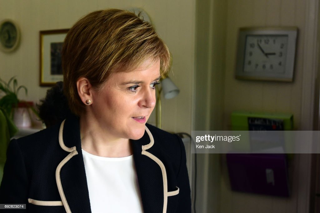 Nicola Sturgeon Helicopters Into Fife In Final Days Of Campaigning : News Photo