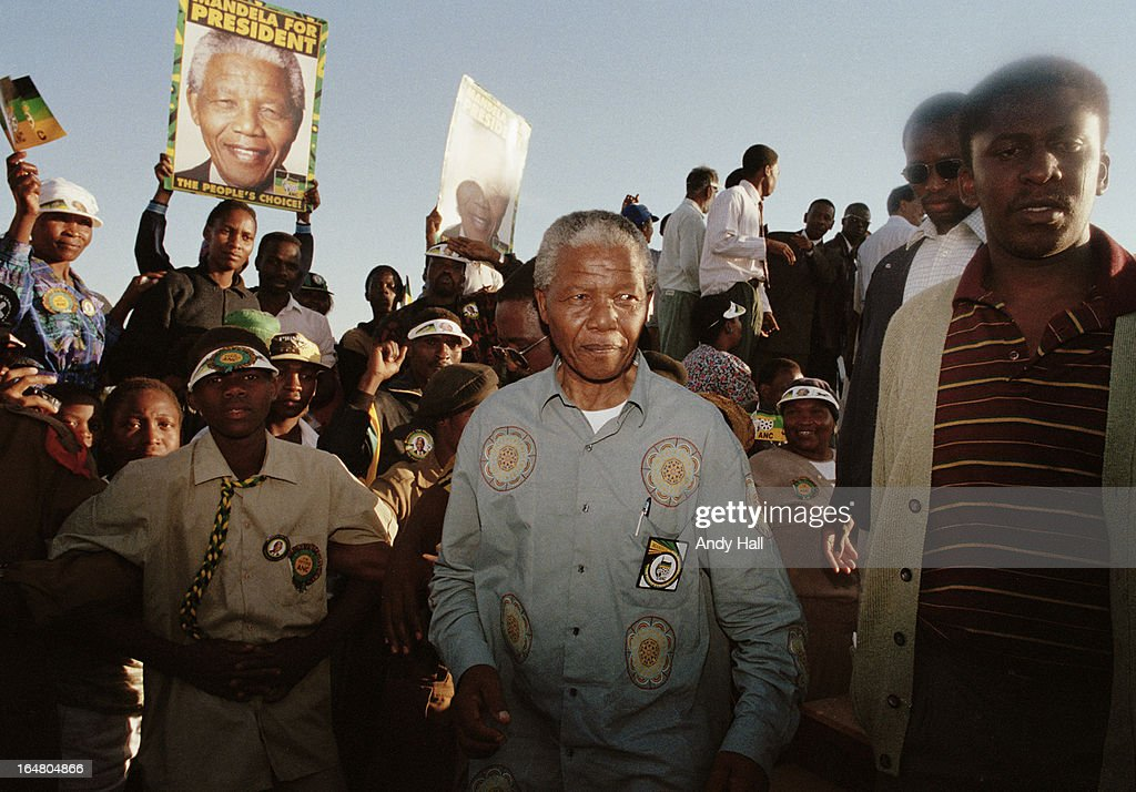 ANC leader Nelson Mandela (L) on the campaign trail during South Africa's first democratic elections on April 16, 1994 in Ladysmith, Kwazulu Natal, South Africa.