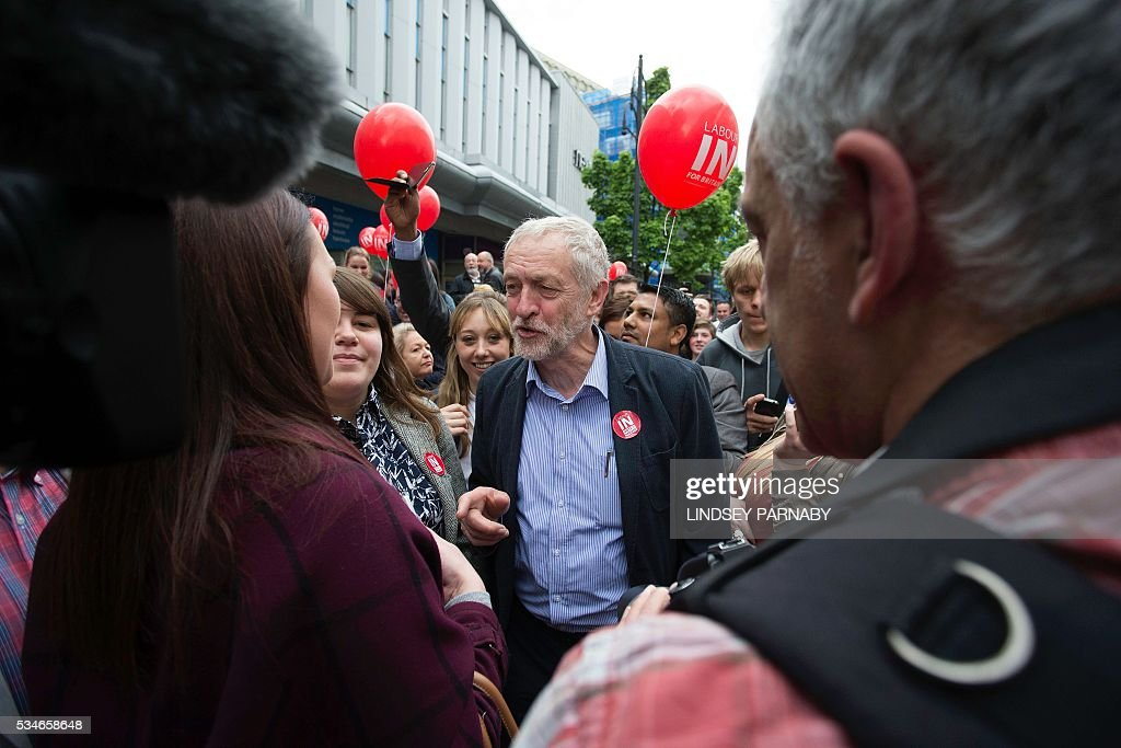Leader of Britain's opposition Labour Party, Jeremy Corybn, canvasses for supporters as he arrives to deliver a speech on the merits of Britain remaining in the European Union (EU), in Doncaster on May 27, 2016. With just under four weeks to go until the June 23 referendum, the Remain camp is on 53 percent and the Leave campaign on 47 percent, according to the What UK Thinks website's average of the most recent six opinion polls. / AFP / Lindsey Parnaby