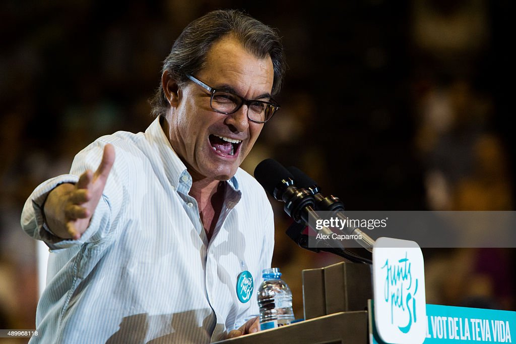 Leader of Catalan Democratic Convergence 'Convergencia Democratica de Catalunya' party (CDC) <a gi-track='captionPersonalityLinkClicked' href=/galleries/search?phrase=Artur+Mas&family=editorial&specificpeople=712829 ng-click='$event.stopPropagation()'>Artur Mas</a> gives a speech during a 'Junts pel Si' (Together for the Yes) coalition rally on September 24, 2015 in Girona, Spain. The main Catalanist parties, Catalan Democratic Convergence 'Convergencia Democratica de Catalunya' party (CDC) and Republican Leftist of Catalonia 'Esquerra Republicana de Catalunya' party (ERC) have joined together to form the catalan pro-independence coalition 'Junts pel Si' (Together for the Yes). Over 5 million Catalans will be voting in Parliamentary elections on September 27, with opinion polls predicting that the majority of seats will be won by pro-independence parties, which could lead to a push for independence in Catalonia.