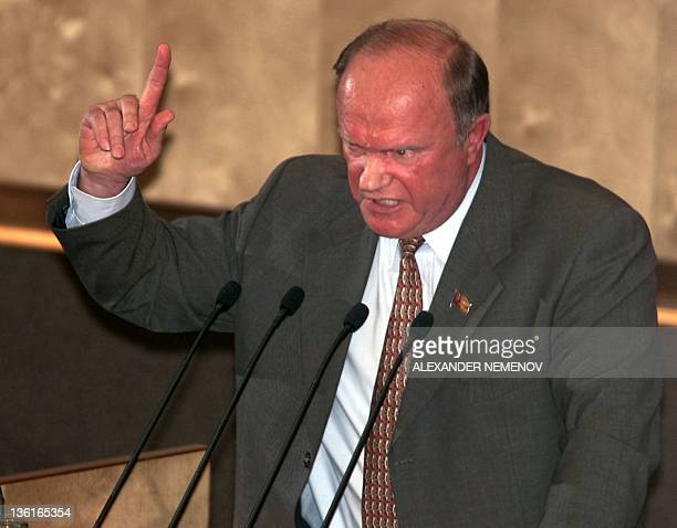 Leader of Communist Duma faction Gennady Zyuganov gestures while delivering a speech at the Russian State Duma 17 May 2000 Russian people's deputies...