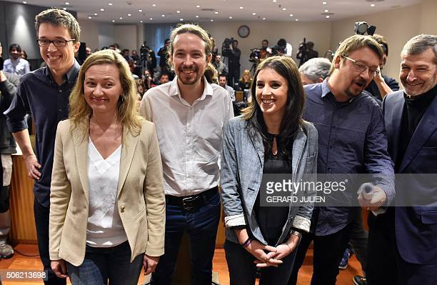 Leader of leftwing political party Podemos Pablo Iglesias poses with party members Inigo Errejon Victoria Rosell Irene Montero Xavi Domenech and...