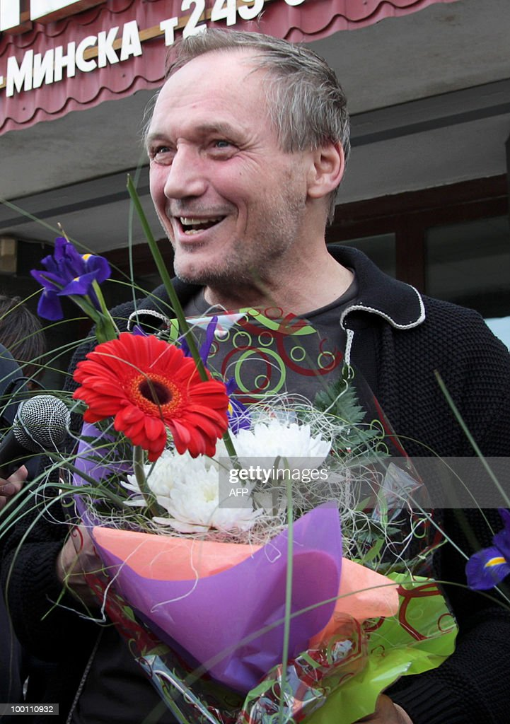 Leader of the Belarussian opposition 'Say the Truth' campaign, poet Vladimir Nekliyaev speaks to the press in Minsk on May 21, 2010 after being released from 3 days in jail. Nekliyaev and several other opposition activists were arrested after raids of the 'Say the Truth' headquarters on May 18.