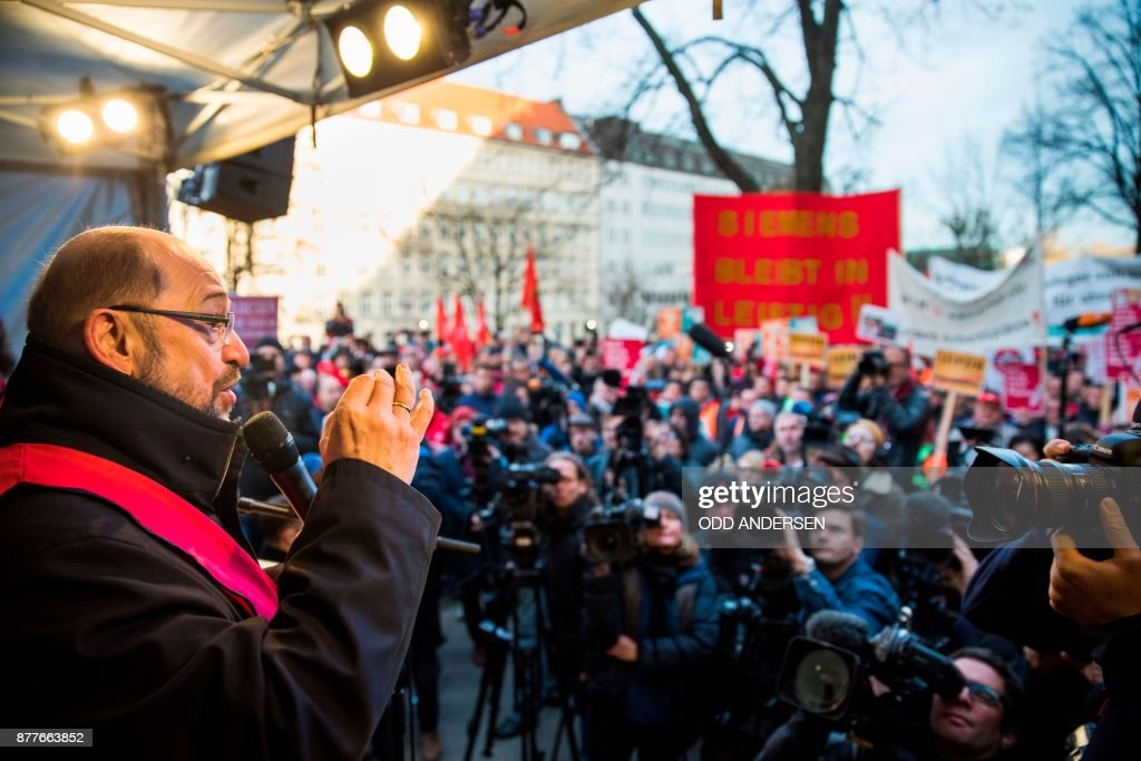 SPD leader Martin Schulz addresses protesting Siemens workers from the IG Metal union in Berlin