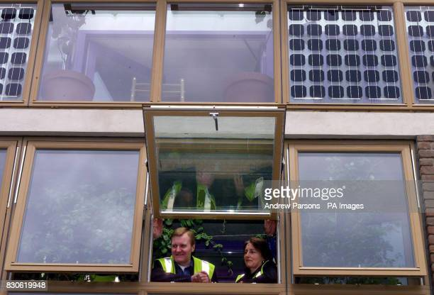 Leader of the Liberal Democrats Charles Kennedy with Architect Susan Venner during his visit to The Beddington ZeroEnergy Site in Hackbridge...