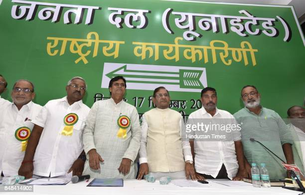 JD leader Sharad Yadav with his party leaders during the party's National Executive Meeting on September 17 2017 in New Delhi India The Sharad Yadav...
