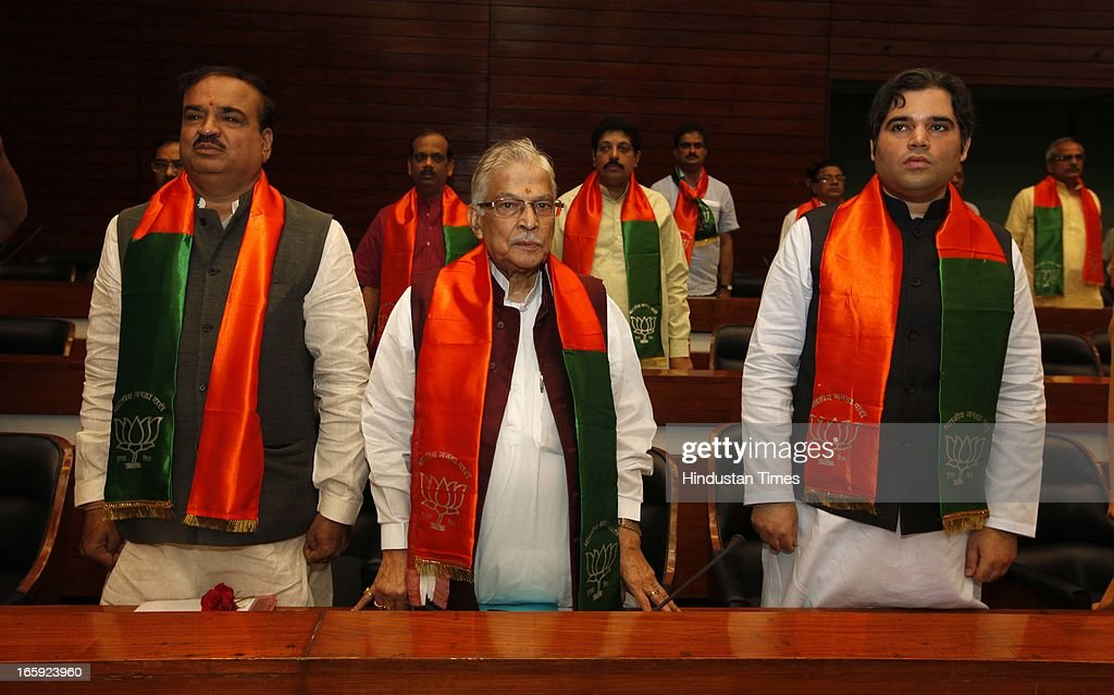 BJP leaders Ananth Kumar, Murli Manohar Joshi, Varun Gandhi and others during first meeting of newly-appointed office bearers of the party on April 7, 2013 in New Delhi, India. They are expected to discuss the strategy for the 2014 general elections. The meet comes a day after the BJP 33rd Foundation Day celebrations.