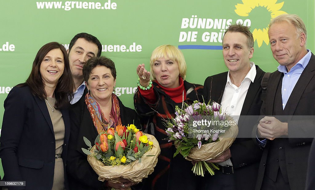 Leaders of the Green Party from left, <a gi-track='captionPersonalityLinkClicked' href=/galleries/search?phrase=Katrin+Goering-Eckardt&family=editorial&specificpeople=5335700 ng-click='$event.stopPropagation()'>Katrin Goering-Eckardt</a>, <a gi-track='captionPersonalityLinkClicked' href=/galleries/search?phrase=Cem+Oezdemir&family=editorial&specificpeople=4535800 ng-click='$event.stopPropagation()'>Cem Oezdemir</a>, Anja Piel, <a gi-track='captionPersonalityLinkClicked' href=/galleries/search?phrase=Claudia+Roth&family=editorial&specificpeople=235978 ng-click='$event.stopPropagation()'>Claudia Roth</a>, Stefan Wenzel and <a gi-track='captionPersonalityLinkClicked' href=/galleries/search?phrase=Juergen+Trittin&family=editorial&specificpeople=571129 ng-click='$event.stopPropagation()'>Juergen Trittin</a> a day after the SPD and German Greens party emerged with a hairline victory in Lower Saxony on January 21, 2013 in Berlin, Germany. Germany faces national elections later this year.