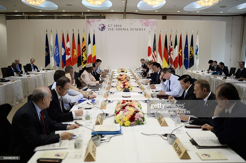 Leaders of the Group of Seven nations take part in a dialogue with other invited world leaders at the G7 Summit in Shima in Mie prefecture on May 27, 2016. A British secession from the European Union in next month's referendum could have disastrous economic consequences, G7 leaders warned on May 27 at the close of the summit in Japan. / AFP / STEPHANE