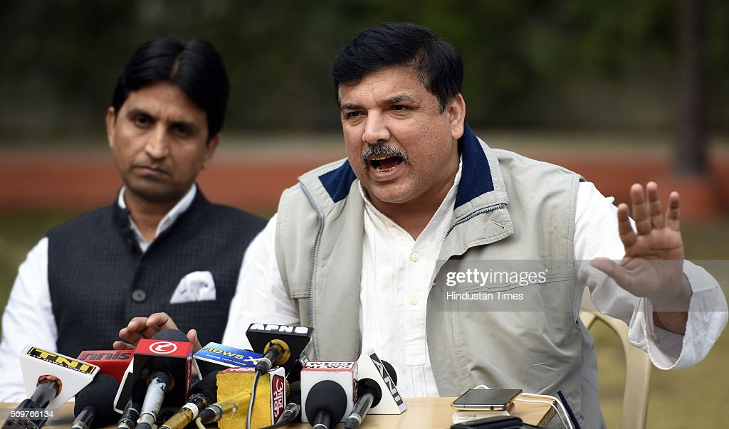 AAP leaders Sanjay Singh and Kumar Vishwas address a press conference the issue on questioning of AAP Leaders in farmer Gajendra Singh death case at AAP office on February 12, 2016 in New Delhi, India. On April 22, Gajendra Singh, a farmer from Rajasthan, allegedly committed suicide by hanging himself from a tree in full public view in the presence of Delhi Chief Minister Arvind Kejriwal at an Aam Aadmi Party rally.