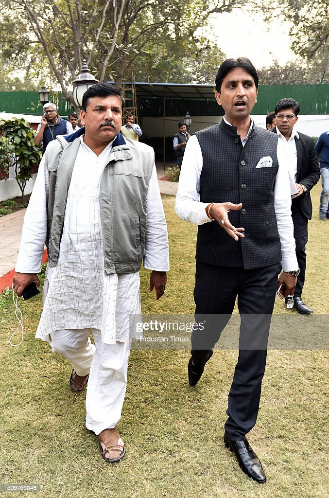 AAP leaders Sanjay Singh and Kumar Vishwas arrive to address a press conference the issue on questioning of AAP Leaders in farmer Gajendra Singh death case at AAP office on February 12, 2016 in New Delhi, India. On April 22, Gajendra Singh, a farmer from Rajasthan, allegedly committed suicide by hanging himself from a tree in full public view in the presence of Delhi Chief Minister Arvind Kejriwal at an Aam Aadmi Party rally.