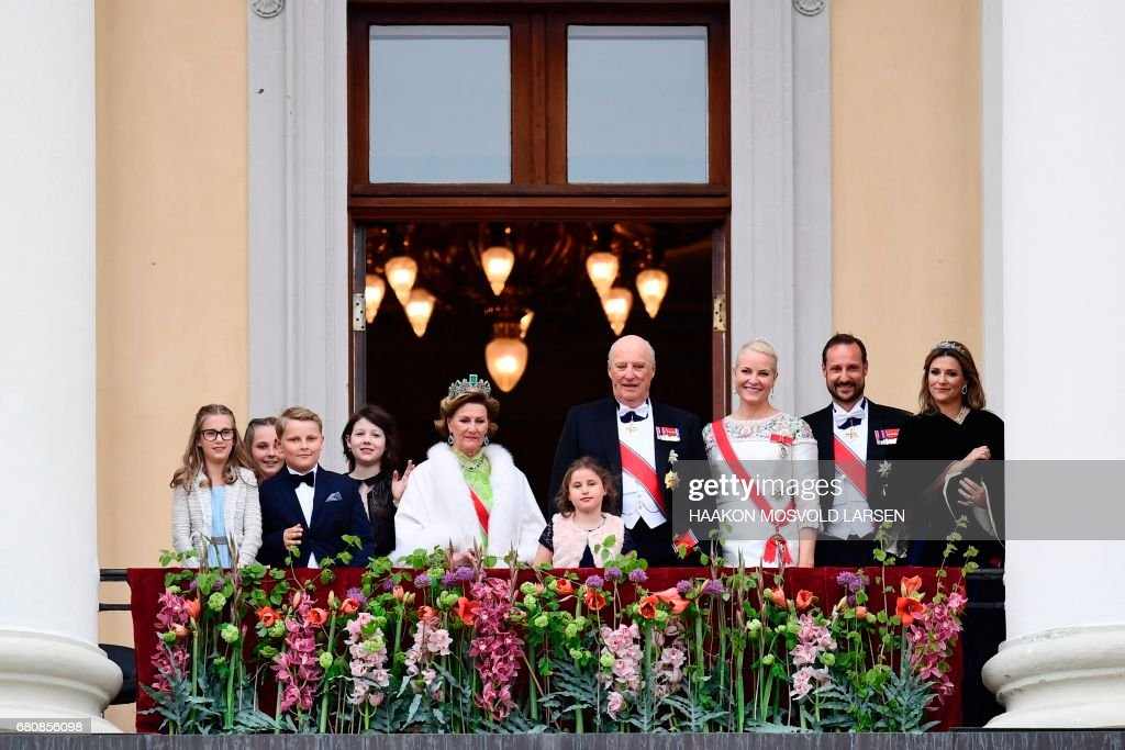 Leah Isadora Behn, Princess Ingrid Alexandra, Prince Sverre Magnus, Maud Angelica Behn, Queen Sonja, Emma Tallulah Behn, King Harald, Crown Princess Mette-Marit, Crown Prince Haakon and Martha greet wellwishers from the balcony of the Royal Palace in Oslo, Norway on May 9, 2017 to mark the 80th Birthday of the King and Queen. Jon Olav Nesvold/ NTB scanpix / AFP PHOTO / NTB scanpix AND NTB Scanpix / Haakon Mosvold Larsen / Norway OUT