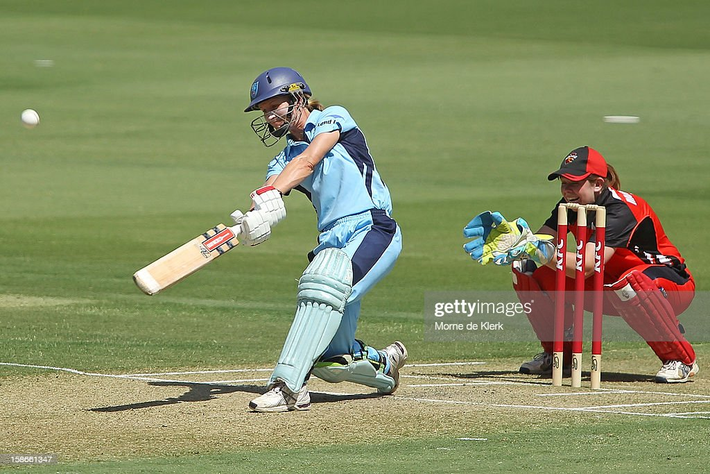 <a gi-track='captionPersonalityLinkClicked' href=/galleries/search?phrase=Leah+Poulton&family=editorial&specificpeople=855761 ng-click='$event.stopPropagation()'>Leah Poulton</a> of the Breakers bats during the women's twenty20 match between the South Australia Scorpions and the New South Wales Breakers at Adelaide Oval on December 23, 2012 in Adelaide, Australia.