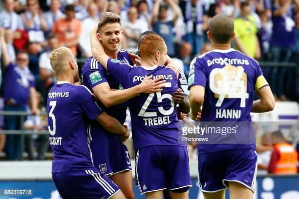Leander Dendoncker midfielder of RSC Anderlecht scores and celebrates during the Jupiler Pro League play off 1 match between RSC Anderlecht and Kv...
