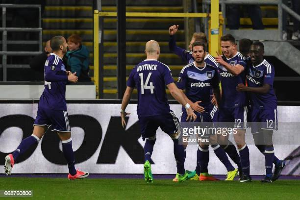 Leander Dendoncker of Anderlecht celebrates scoring his side's first goal with his team mates during the UEFA Europa League quarter final first leg...