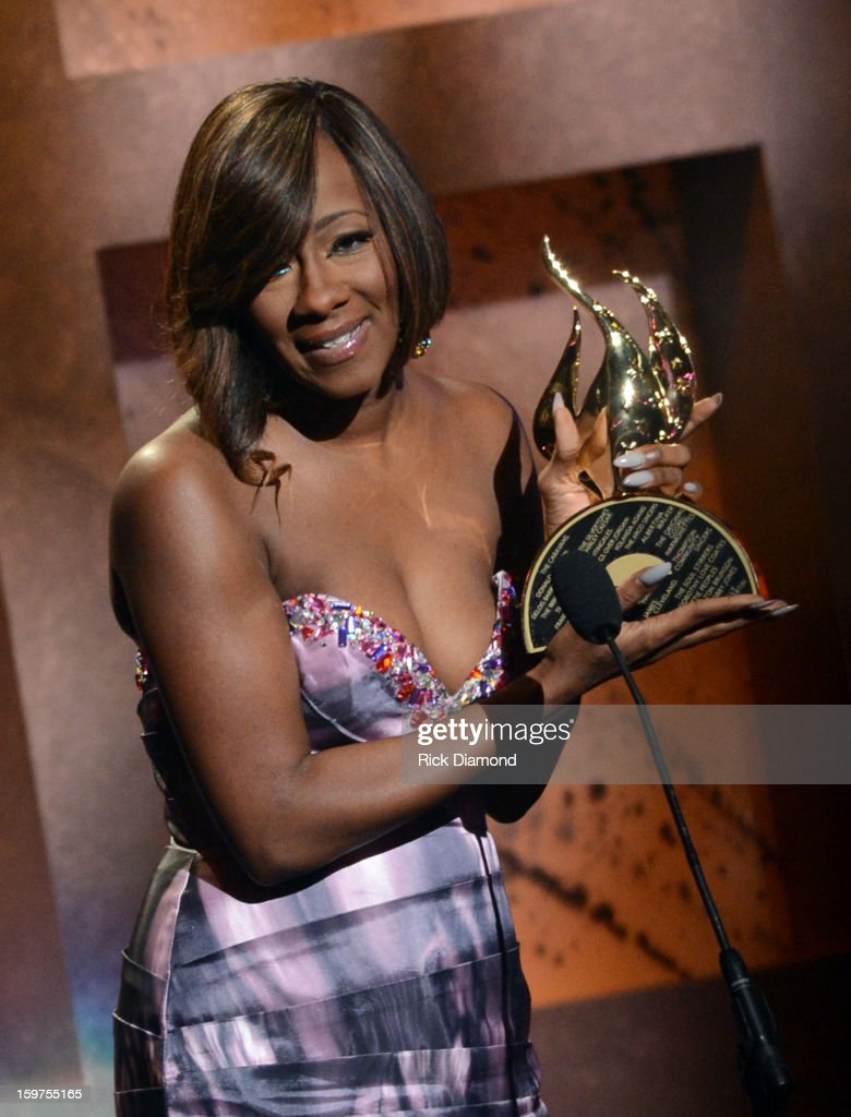 Le'Andria Johnson accepts the New Artist of the Year Award at the 28th Annual Stellar Awards Show at Grand Ole Opry House on January 19, 2013 in Nashville, Tennessee.