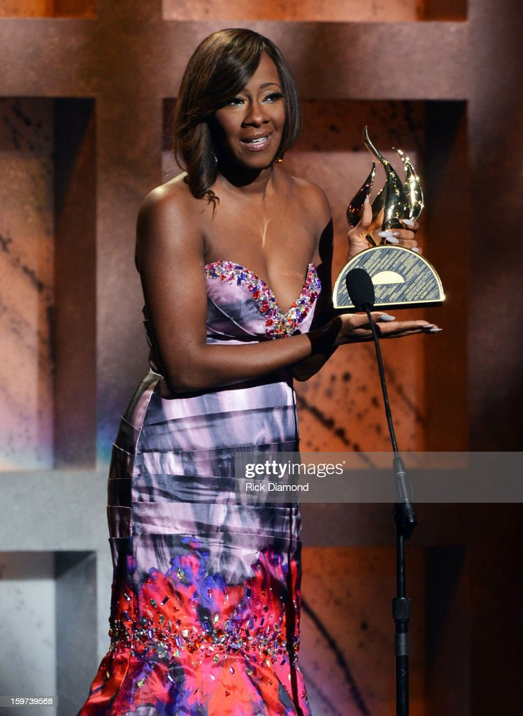 Le'Andria Johnson accepts the New Artist of the Year Awards during the 28th Annual Stellar Awards Show at Grand Ole Opry House on January 19, 2013 in Nashville, Tennessee.
