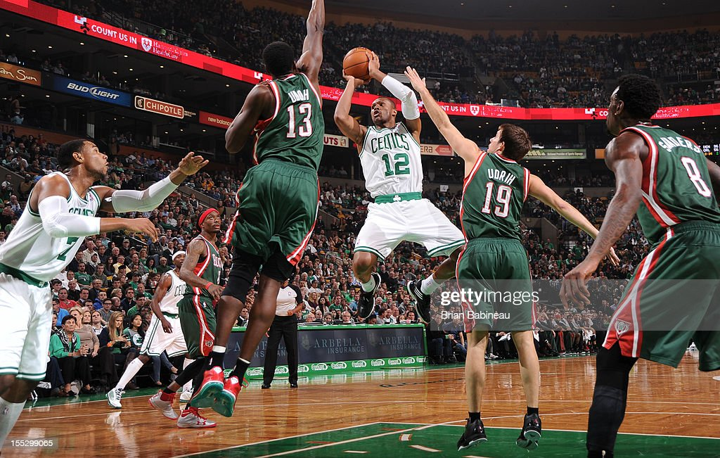 <a gi-track='captionPersonalityLinkClicked' href=/galleries/search?phrase=Leandro+Barbosa&family=editorial&specificpeople=201506 ng-click='$event.stopPropagation()'>Leandro Barbosa</a> #12 of the Boston Celtics shoots against <a gi-track='captionPersonalityLinkClicked' href=/galleries/search?phrase=Ekpe+Udoh&family=editorial&specificpeople=4185351 ng-click='$event.stopPropagation()'>Ekpe Udoh</a> #13 of the Milwaukee Bucks on November 2, 2012 at the TD Garden in Boston, Massachusetts.