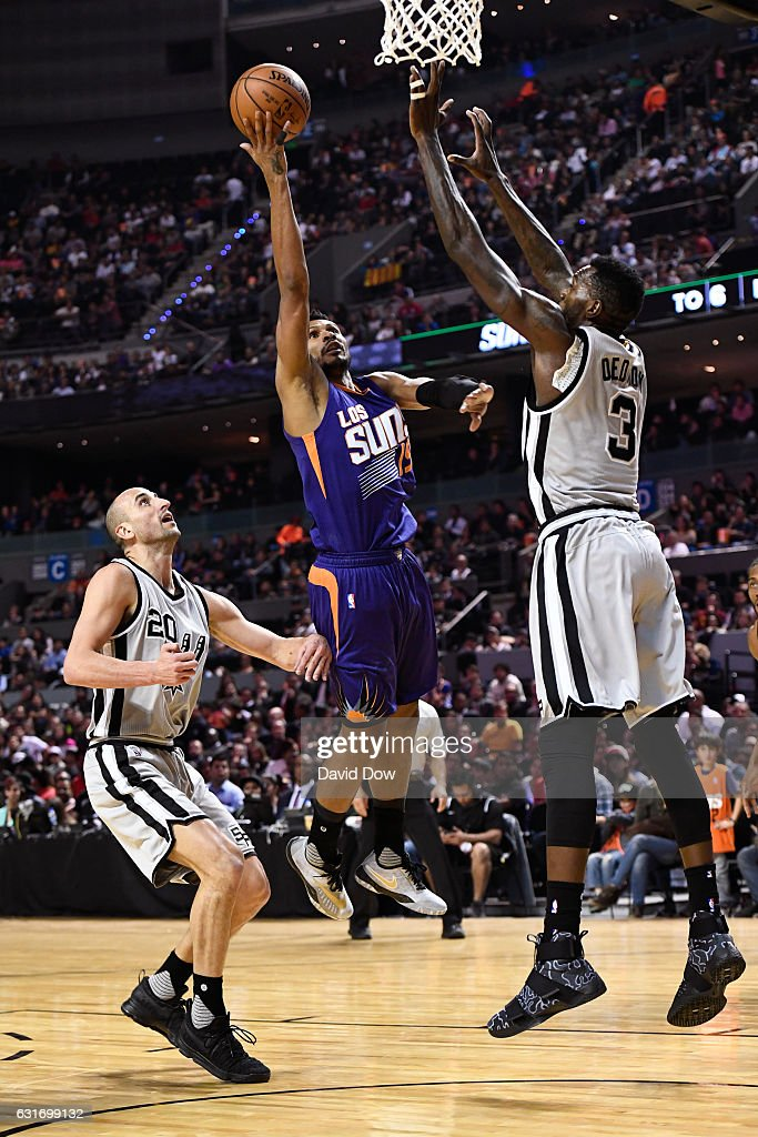 Leandro Barbosa #19 of the Phoenix Suns drives to the basket against the San Antonio Spurs as part of NBA Global Games at Arena Ciudad de Mexico on January 14, 2017 in Mexico City, Mexico.