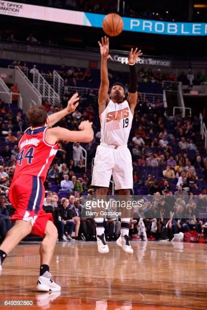 Leandro Barbosa of the Phoenix Suns shoots the ball against the Washington Wizards during the game on March 7 2017 at Talking Stick Resort Arena in...