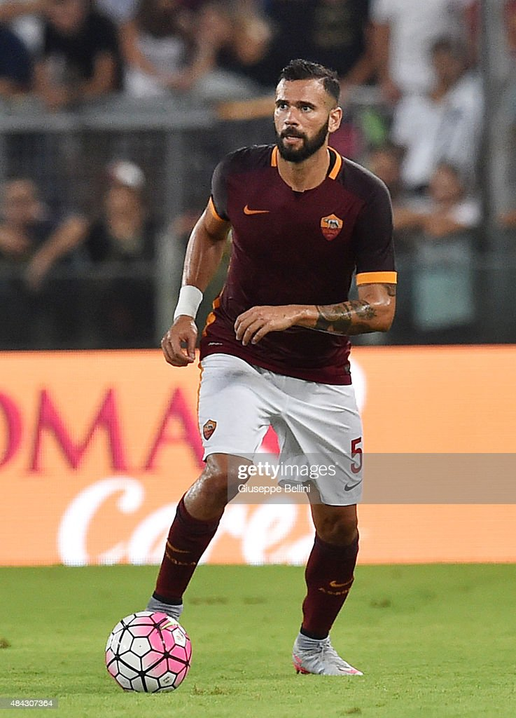 <a gi-track='captionPersonalityLinkClicked' href=/galleries/search?phrase=Leandro+Castan&family=editorial&specificpeople=5891971 ng-click='$event.stopPropagation()'>Leandro Castan</a> of AS Roma in action during the pre-season friendly match between AS Roma and Sevilla FC at Olimpico Stadium on August 14, 2015 in Rome, Italy.