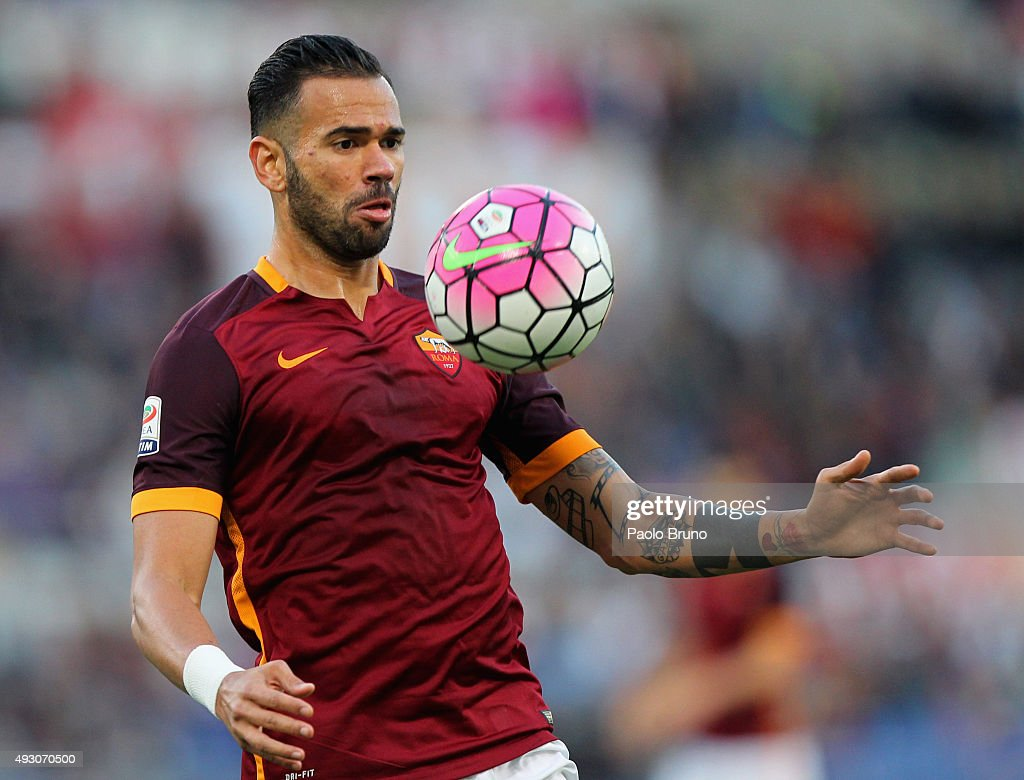 <a gi-track='captionPersonalityLinkClicked' href=/galleries/search?phrase=Leandro+Castan&family=editorial&specificpeople=5891971 ng-click='$event.stopPropagation()'>Leandro Castan</a> of AS Roma in action during the Serie A match between AS Roma and Empoli FC at Stadio Olimpico on October 17, 2015 in Rome, Italy.