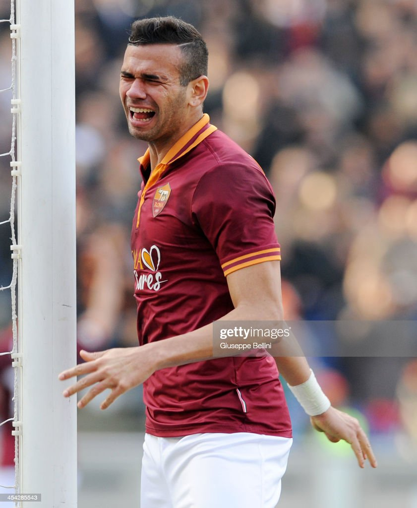 <a gi-track='captionPersonalityLinkClicked' href=/galleries/search?phrase=Leandro+Castan&family=editorial&specificpeople=5891971 ng-click='$event.stopPropagation()'>Leandro Castan</a> of Roma reacts during the Serie A match between AS Roma and ACF Fiorentina at Stadio Olimpico on December 8, 2013 in Rome, Italy.