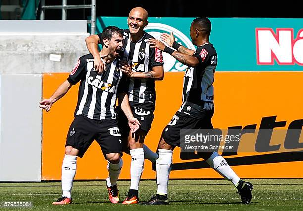 Leandro Donizete of Atletico MG celebrates their first goal during the match between Palmeiras and Atletico MG for the Brazilian Series A 2016 at...