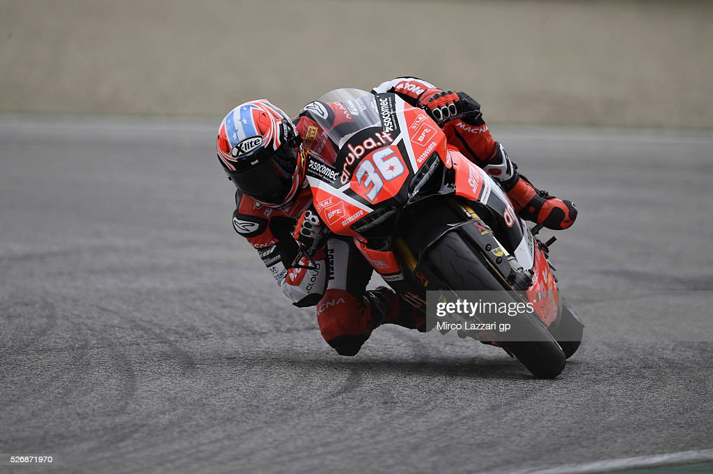 Leandro Marcado of Spain and Aruba.it - Junior Team rounds the bend during the Superstock 1000 race during the World Superbikes - Race at Enzo & Dino Ferrari Circuit on May 10, 2015 in Imola, Italy.