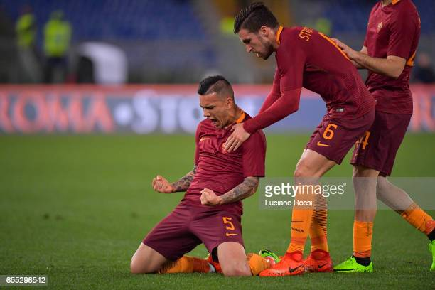 Leandro Paredes of AS Roma celebrates with Kevin Strootman after scoring a goal during the Serie A match between AS Roma and US Sassuolo at Stadio...
