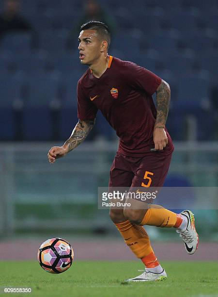 Leandro Paredes of AS Roma in action during the Serie A match between AS Roma and FC Crotone at Stadio Olimpico on September 21 2016 in Rome Italy