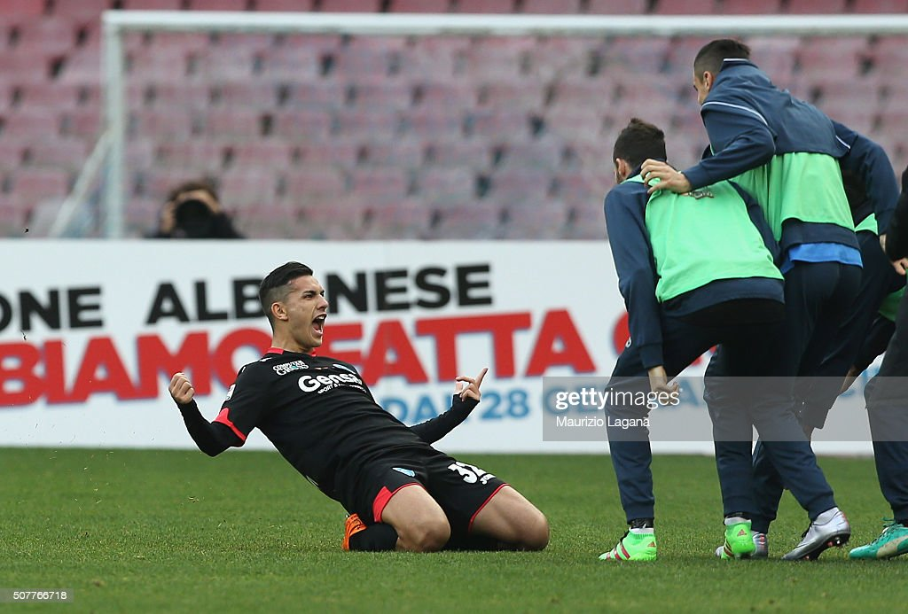 <a gi-track='captionPersonalityLinkClicked' href=/galleries/search?phrase=Leandro+Paredes&family=editorial&specificpeople=7626324 ng-click='$event.stopPropagation()'>Leandro Paredes</a> of Empoli celebrates the opening goal during the Serie A match between SSC Napoli and Empoli FC at Stadio San Paolo on January 31, 2016 in Naples, Italy.
