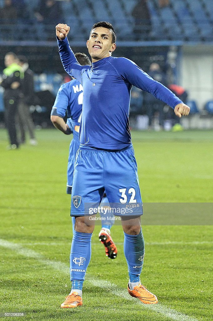 <a gi-track='captionPersonalityLinkClicked' href=/galleries/search?phrase=Leandro+Paredes&family=editorial&specificpeople=7626324 ng-click='$event.stopPropagation()'>Leandro Paredes</a> of Empoli FC celebrates the victory after the Serie A match betweeen Empoli FC and Carpi FC at Stadio Carlo Castellani on December 13, 2015 in Empoli, Italy.