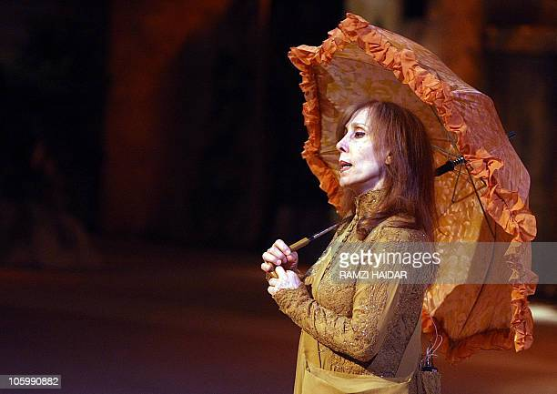 Lebanese diva Fairuz performs a scene during the 'Sah elNom' musical at the Arena in Amman 02 November 2007 AFP PHOTO/POOL/RAMZI HAIDAR