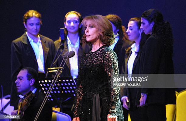 Lebanese diva Fairuz performs at Kuwait's Ice Skating Arena late 03 May 2001 singing for the first time in the Gulf emirate after the 1991 Gulf war...