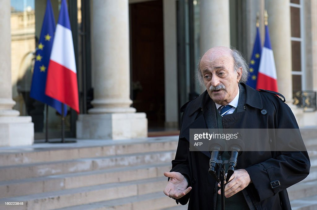 Lebanese Druze leader and Progressive Socialist Party (PSP) chairman Walid Jumblatt speaks to the press at the Elysee presidential palace after a meeting with France's President in Paris on January 28, 2013. AFP PHOTO BERTRAND LANGLOIS