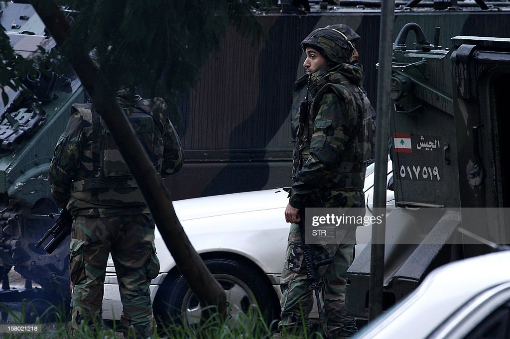 Lebanese security forces stand guard in the northern city of Tripoli on December 9, 2012. Sectarian clashes linked to the 21-month conflict in Syria killed four people and wounded 40 in neighbouring Lebanon before dawn, a security official said.