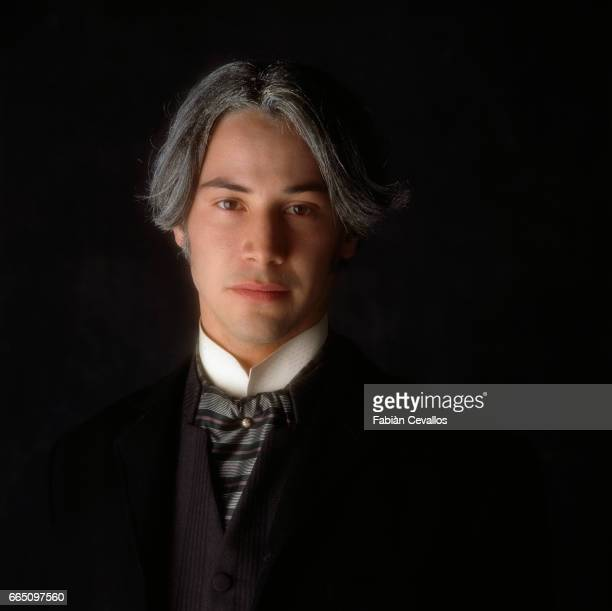 Lebaneseborn actor Keanu Reeves on the set of 'Dracula' directed by American director Francis Ford Coppola and based Bram Stoker's novel by the same...
