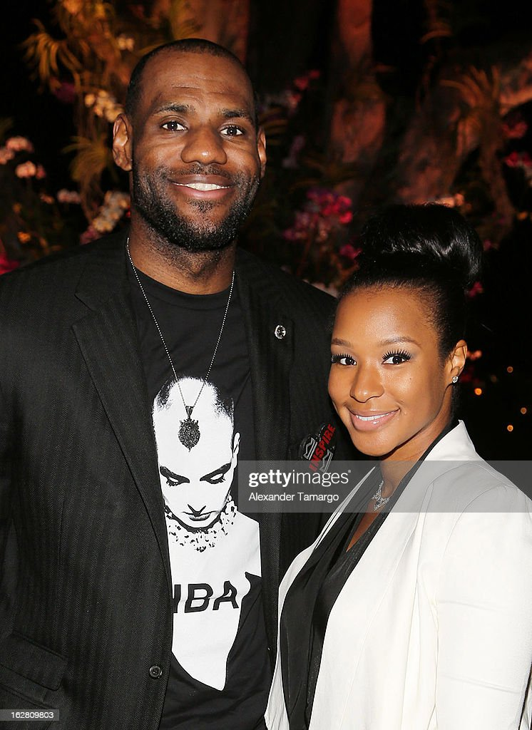 <a gi-track='captionPersonalityLinkClicked' href=/galleries/search?phrase=LeBron+James&family=editorial&specificpeople=201474 ng-click='$event.stopPropagation()'>LeBron James</a> and <a gi-track='captionPersonalityLinkClicked' href=/galleries/search?phrase=Savannah+Brinson&family=editorial&specificpeople=4319994 ng-click='$event.stopPropagation()'>Savannah Brinson</a> attend the Miami HEAT Family Foundation 'Motown Revue' on February 27, 2013 in Miami, Florida.