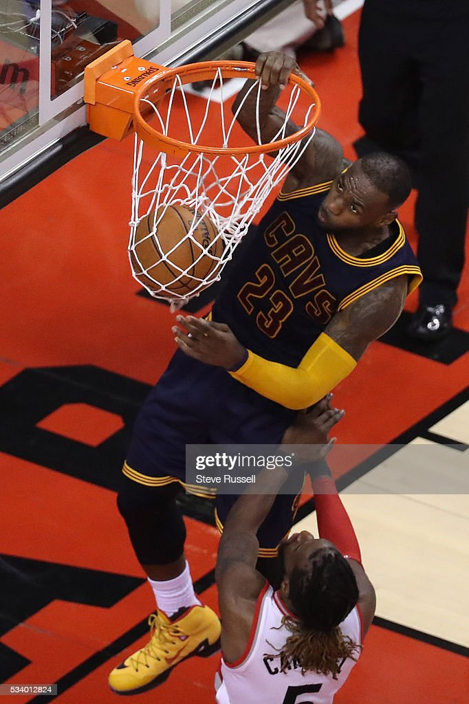 LeBron James dunks as the Toronto Raptors beat the Cleveland Cavaliers in game 4 of the NBA Conference Finals in Toronto. May 23, 2016.