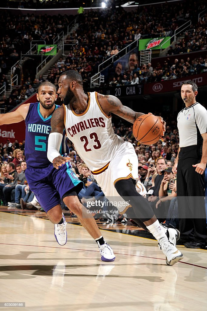 LeBron James #23 of the Cleveland Cavaliers drives to the basket during the game against the Charlotte Hornets on November 13, 2016 at Quicken Loans Arena in Cleveland, Ohio.