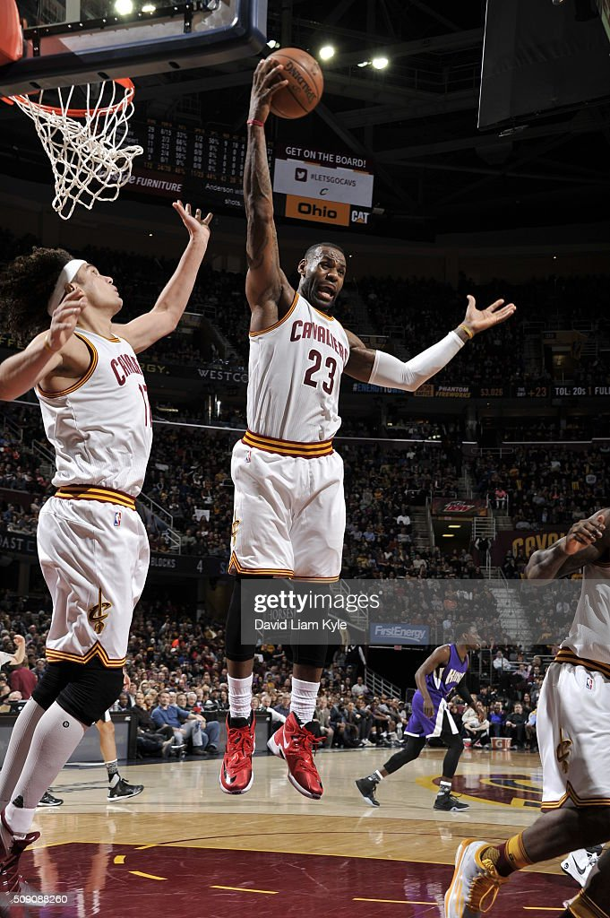 <a gi-track='captionPersonalityLinkClicked' href=/galleries/search?phrase=LeBron+James&family=editorial&specificpeople=201474 ng-click='$event.stopPropagation()'>LeBron James</a> #23 of the Cleveland Cavaliers grabs the rebound against the Sacramento Kings on February 8, 2016 at Quicken Loans Arena in Cleveland, Ohio.