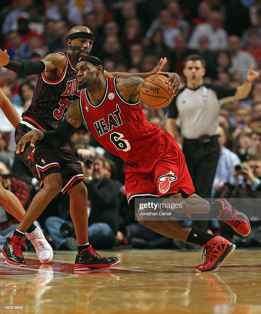 LeBron James #6 of the Miami Heat drives against Richard Hamilton #32 of the Chicago Bulls at the United Center on February 21, 2013 in Chicago, Illinois. The Heat defeated the Bulls 86-67.