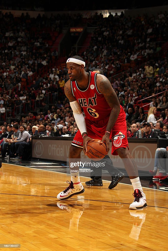 <a gi-track='captionPersonalityLinkClicked' href=/galleries/search?phrase=LeBron+James&family=editorial&specificpeople=201474 ng-click='$event.stopPropagation()'>LeBron James</a> #6 of the Miami Heat looks to pass downlow against the Charlotte Bobcats during a game on February 4, 2013 at American Airlines Arena in Miami, Florida.