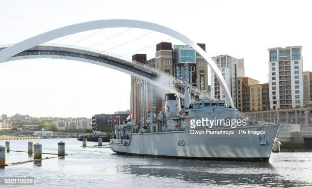 HMS Ledbury sails into the Tyne to pay tribute to Newcastle's most famous naval hero Admiral Nelson who altered the face of naval warfare