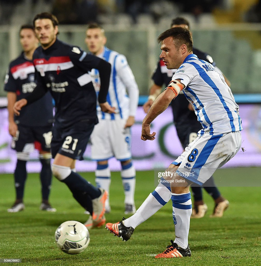 Ledian Memushaj of Pescara Calcio takes a penalty during the Serie B match between Pescara Calcio and Vicenza Calcio at Adriatico Stadium on February 12, 2016 in Pescara, Italy.