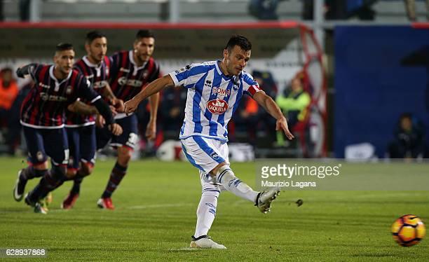 Ledian Memushaj of Pescara misse the penalty during the Serie A match between FC Crotone and Pescara Calcio at Stadio Comunale Ezio Scida on December...