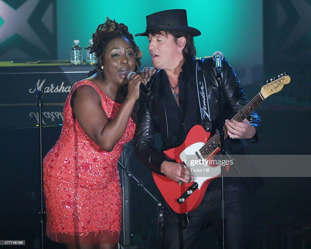 Ledisi and Richie Sambora perform during the Songwriters Hall Of Fame 46th Annual Induction And Awards at Marriott Marquis Hotel on June 18 2015 in...