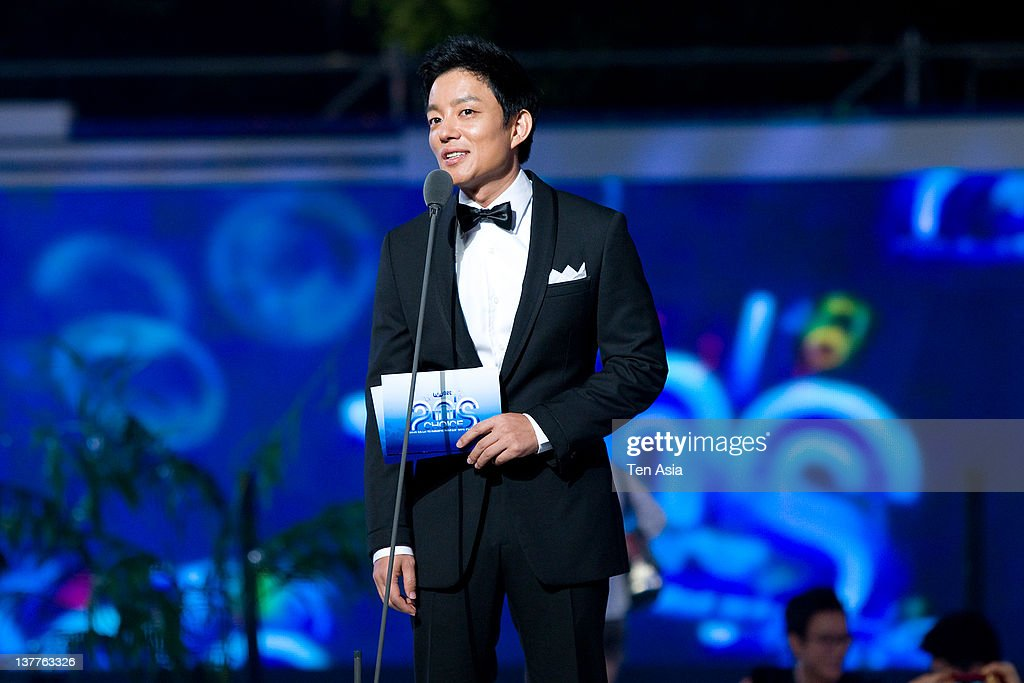 Lee Beom-Soo speaks during the 2010 Mnet 20's Choice at Sheraton Grande Walkerhill Hotel on August 26, 2010 in Seoul, South Korea.