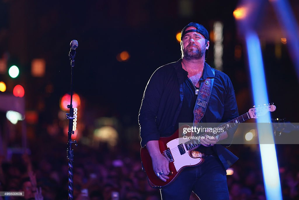 Lee Brice performs during Rodney Atkins 4th Annual Music City Gives Back on June 3, 2014 in Nashville, Tennessee.